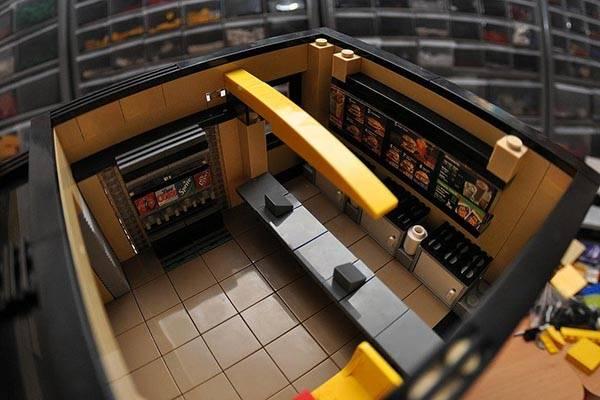 McDonald's Fast Food Restaurant LEGO Set | Gadgetsin