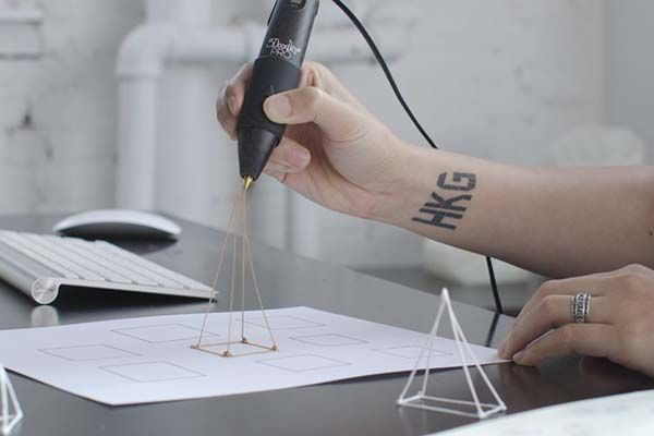 3D Metal Printing >> 3Doodler Pro 3D Printing Pen Lets You Draw 3D Models with Metal, Wood, Nylon and More Materials ...